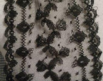 Black Chantilly Lace Tie Dress Collar Lappet Embellishment Victoran Edwardian 1900s