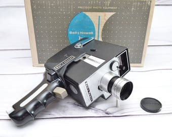 Vintage Bell Howell Zoom Reflex 315C 8mm Movie Camera w Pistol Grip and Original Box f1.8 Lens