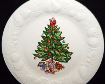 ON SALE Tabletops Unlimited CHRISTMAS Time  Dinner Plate Embossed Fruit on Rim, Tree in Center, Green Trim, Excellent Condition