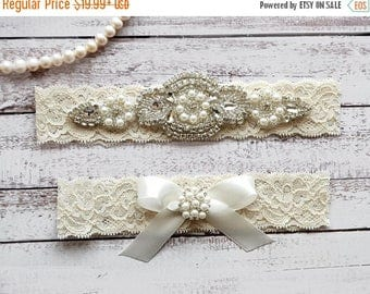 ON SALE Wedding Garter, NO Slip Lace Wedding Garter Set, bridal garter set, pearl and rhinestone garter set, vintage rhinestones Style A2033