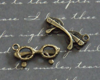 2 charms 22x16mm bronze color metal eyeglasses