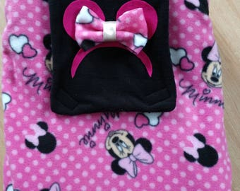 Infant/preemie car seat cover with matching seat belt covers