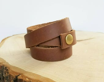 Leather wrap cuff bracelet, simple cuff, snap leather bracelet, size Small, choose color
