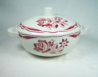 Badonviller soup tureen red flowers white background demi-porcelain vintage  1950 Made in France