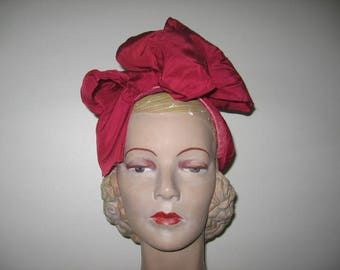 1940's-50's Pink Straw Profile Hat with Taffeta Bow!