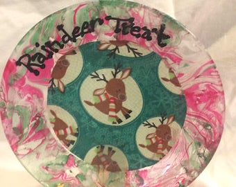"Reindeer Treat Christmas Glass 7""  Plate Hand Marble Paint Decoupage Red Green"