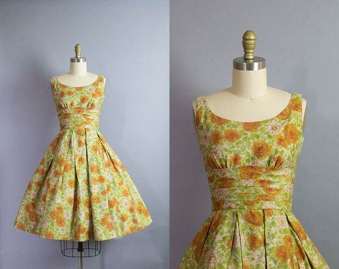1950s Floral Dress/ Extra Small (31.5b/23.5w)