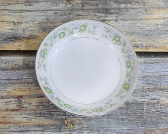 Berry Bowl - Dessert Bowl - Finger Bowl - Vintage China Patterns - China Replacements Pieces- Discontinued China - Royal Wentworth Pauline