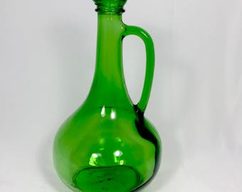 Vintage Green Glass Wine Decanter - 1976 Wine World Emerald Green Bottle with Spout Top - Retro Pot Bellied Jug with Handle - Mint Condition