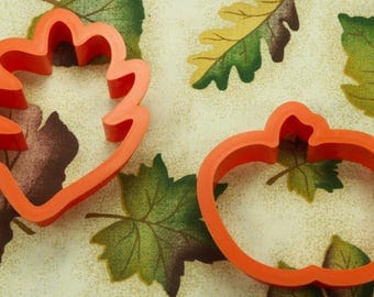 Collectable Orange Plastic Leaf And Pumpkin Fall Cookie Cutters