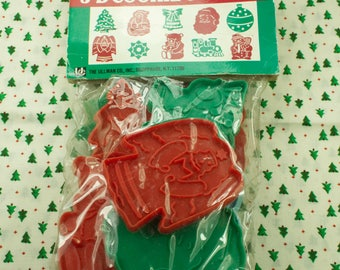 Vintage Ullman Co. 10 Pc. Christmas Plastic Cookie Cutter Set In Original Package