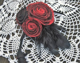 Felted flowers pin Felt brooch Feather brooch Black red brooch Red black pin Feather pin Felt pin Wool pin Black feather jewelry Gothic pin