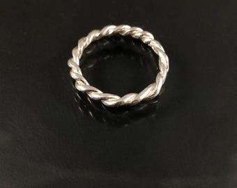 Twist silver ring