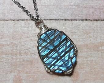 Labradorite Necklace, Labradorite Pendant, Labradorite Jewelry, Fall Gemstone Necklace, Glowing Labradorite, Boho Jewelry, Gift for Her