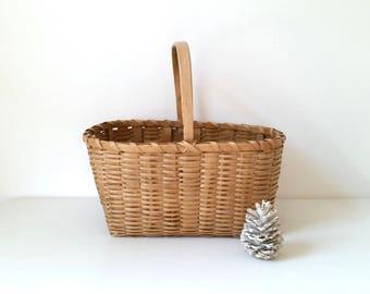 Large Vintage Basket . Market Basket . Wood Woven Basket . Bentwood Handle . Farmhouse Cottage  . Home Decor .