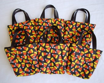 Set of 6 Halloween Fabric Gift Bags/ Halloween Party Favor Bags/ Halloween Goody Bags- Candy Corn on Black
