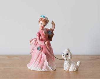 Statuette Dame au caniche