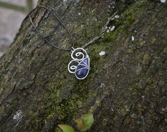 Blue labradorite pendant. The ' na