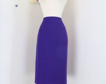 "1980s Skirt - Midi Pencil Skirt - Purple - Wool - Winter Fall - Classic Skirt - Mad Men Style - Has Pockets - Size Small Medium 28"" Waist"