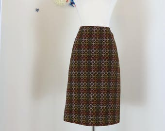 "1980s Skirt - A-line - Welsh Tapestry - Brown - A-line - Abstract Plaid Pattern - Brown Red Gold Pink - Size Small 27"" Waist"