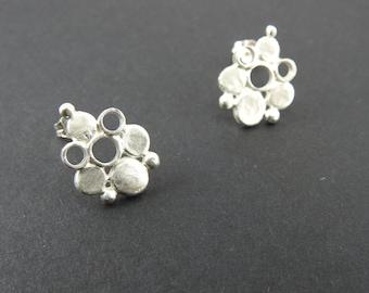 Rustic earrings Dots and circles earrings Silver earrings Modern earrings Natural jewelry Minimalist earring Spring gift Stud earrings