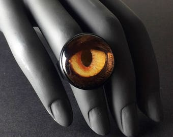 Adjustable Alice in WastelandS post apocalyptic statement dragon eye fingerring.