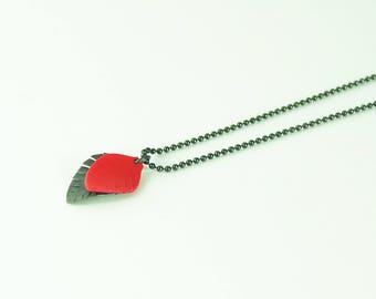 Necklace Mini Feather red