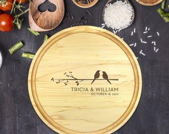 Personalized Cutting Board Round, Cutting Board Personalized, Wedding Gift, Housewarming Gift, Anniversary Gift, Love Birds, B-0064
