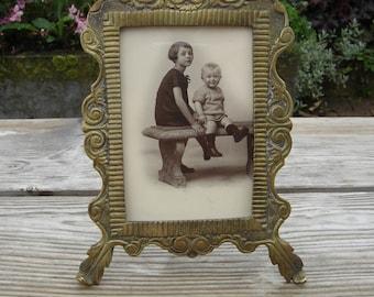 Cadre art nouveau shabby chic. Laiton avec photo. Vintage. France