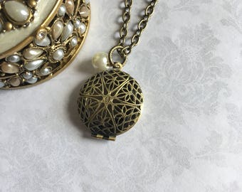 Antique Locket Necklace, Locket Necklace, Antique Lockets, Locket, Antique Gold Locket, Filigree Locket, Locket Pendant, Gold Locket