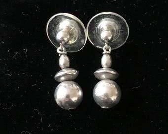 Vintage Dangling Silver-Tone Stud Earring