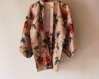 Vintage Japanese Kimono Haori / Beige based flower pattern / Kimono Meisen jacket