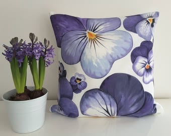 "Cushion cover ""Violets"""