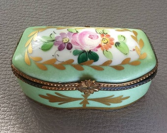 Meissen style, Porcelain, Snuff Box, Patch Box, with Hinged Lid