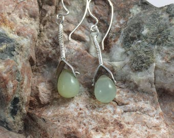 Aventurine and Sterling Silver Earrings. Green Gemstone Earrings. Aventurine Crystal. Green Quartz Earring. Lucky Crystal Earring. Dangle.