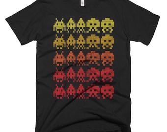 Invaders / Retro, Arcade, 80's   / Washed, Worn Style Print / Short-Sleeve Unisex, Graphic Black TShirt