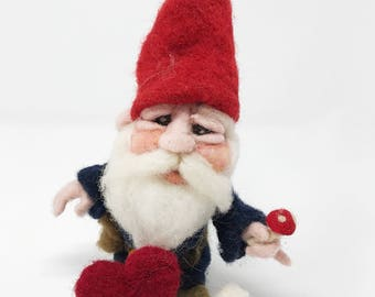 Valentine's Day Gnome Gift/Needle Felted Gnome/Waldorf Gnome/Gnome Lovers/Gnome Gift Ideas/Valentine's Gifts for kids/Gnome in love