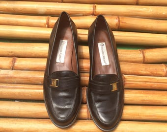 Vintage Etienne Aigner Loafers, Black Leather Flats, Women's Shoes, Gold Buckle, Kitten Heel, 1980's Shoes, Camelot, 6.5, Retro Eighties