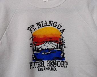 Vintage Sweatshirt Ft Niangua River Resort Lebanon Missouri GORGEOUS graphic  White Large