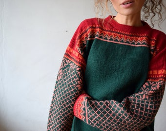 Red & green nordic sweater, norwegian wool pullover, women oversized jumper, traditional winter sweater, vintage highlanders sweater M/L