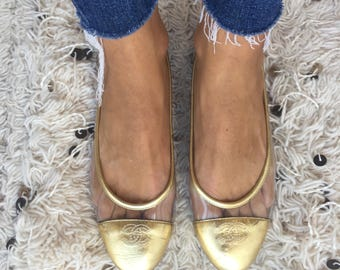 Vintage CHANEL CC Logos Clear Vinyl GOLD Leather Ballet Flats Sandals Slides Slip On Shoes eu 38.5 us 7.5 - 8