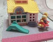 Polly Pocket 1993 Toy Shop inc Poll Pocket Figure but no Mimi
