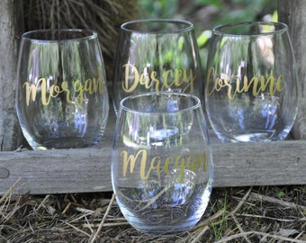 Set of 6 / Personalized Wine Glasses / Bachelorette Party / Bridal Party Wine Glasses / Wine Glass / Bridesmaid Gift / Wedding Wine Glasses