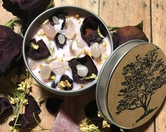 6oz Sweet pea scented ,Soy candle with infused flowers and Rose quartz,Travel candle,Crystal candle,Gift for her, Gemstone and flower candle
