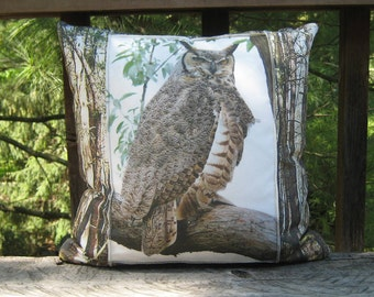 Includes insert & Free shipping! Great Horned Owl pillow, Owl pillow, Bird pillow, Wildlife pillow, Photograph pillow, Nature pillow