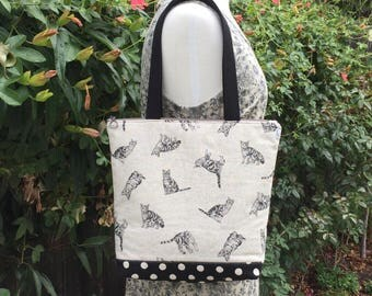 Tabby Cats Zippered Tote Bag –  Market Shopping Overnight Travel Carryall Purse Handbag Travel, Handmade Japanese Linen Fabric Cute Cats Bag