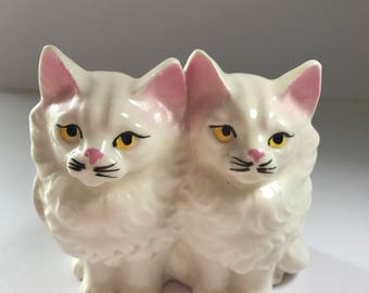 White vintage twin Persian kitty cats figurine, just like grandma had!