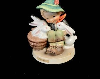 """Hummel Figurine """"Playmates"""""""