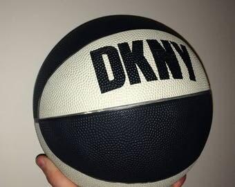 DKNY Donna Karan Basketball Promo (like Supreme / Spalding)