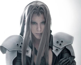 Final Fantasy VII 7 Sephiroth pauldrons armor only one set available !